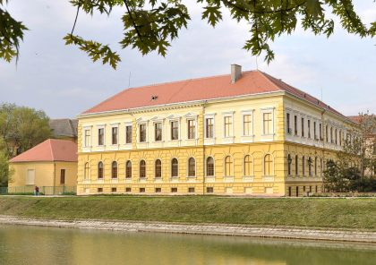 Zgrada škole